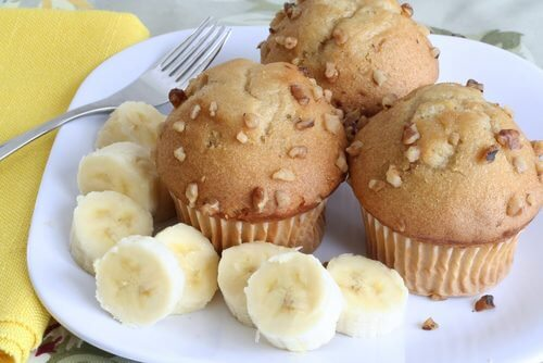 Cupcakes de banana no café da manhã
