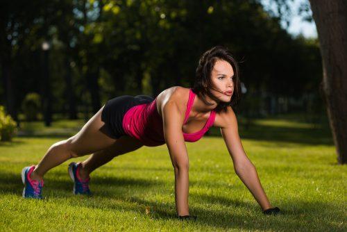 Entre em forma praticando flexões de braço