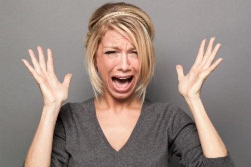 Mulher em pânico por não sentir desejo por ninguém