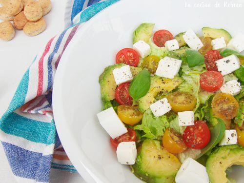 Receita de salada para desinchar o abdômen