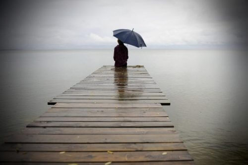 Estar sozinho doi, mas através da dor você pode se curar