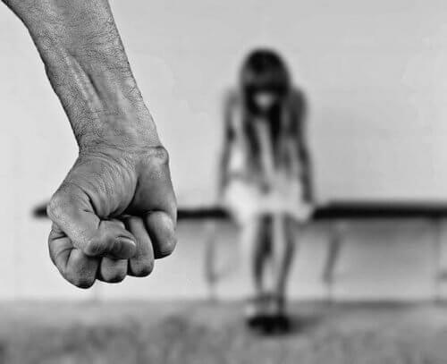 Aprenda a identificar um abusador de crianças