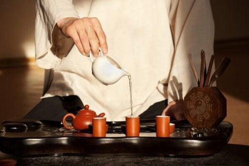 disciplina japonesa com chá
