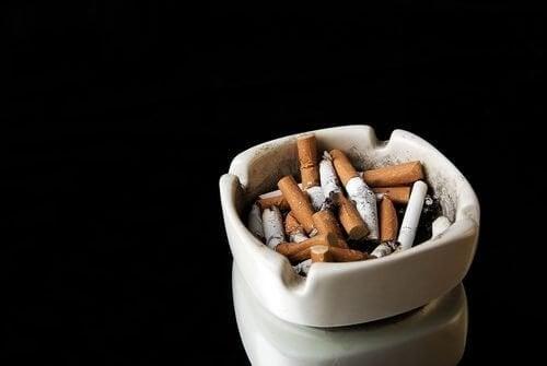 Conheça os 5 hábitos mais perigosos para a saúde