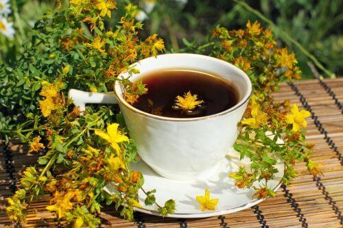 Chá de hiperico para tratar a depressão