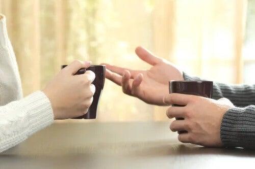 A arte de não perder a calma durante uma discussão: 5 dicas