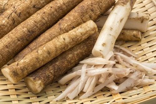 A infusão de raiz de bardana pode ajudar a limpar o sistema linfático