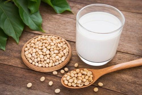 Consumir muita soja pode fazer mal à saúde da tireoide