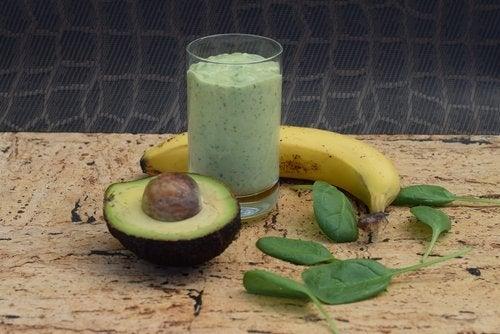 Vitamina de abacate para reduzir o estresse