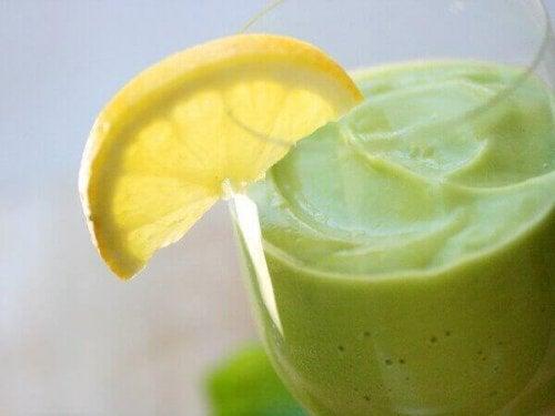 A vitamina de abacate oferece vários benefícios para a saúde