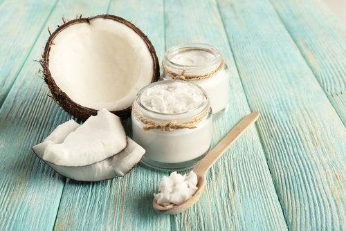 Óleo de coco ajuda a controlar o crescimento excessivo de cândida
