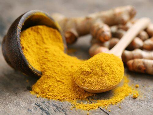 Curry, uma especiaria que promove o crescimento do cabelo