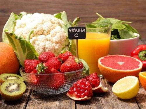 Frutas e legumes com vitamina C ajudam a controlar as alergias