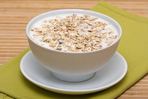 Os benefícios do leite de aveia
