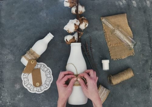 Desafie sua criatividade com essas 7 ideias originais para decorar garrafas