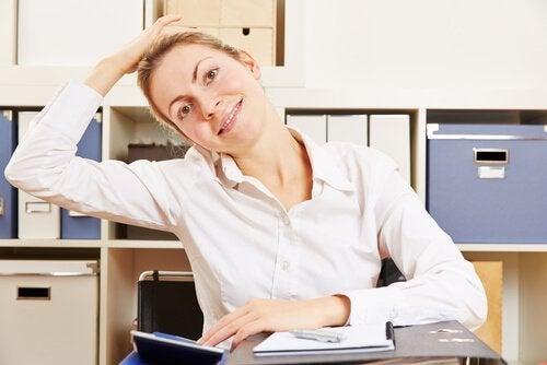 Alongar ajuda a aliviar a dor no pescoço