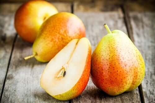 Existem vários maneiras de combater a constipação. Uma das mais adequadas é seguir uma dieta rica em frutas