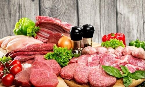 As carnes magras são alternativas saudáveis aos piores alimentos