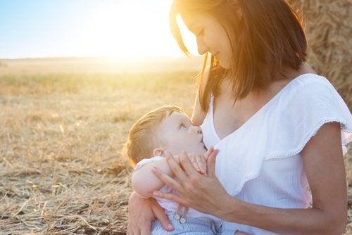 Mãe que conseguiu fazer o leite descer depois da cesárea
