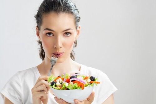 A alimentação saudável evita a epigastralgia