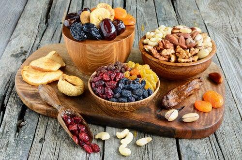Frutos secos podem ser adicionados a um café da manhã energético
