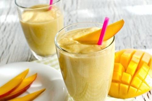 Vitamina de cenoura e manga