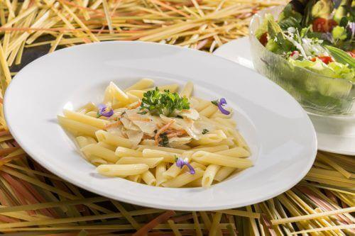 Como cozinhar macarrão mais cremoso sem creme ou queijo?