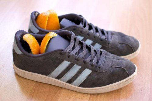 Casca de laranja para eliminar o mau cheiro dos sapatos