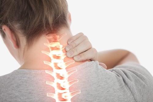 4 exercícios simples para reduzir a dor no pescoço