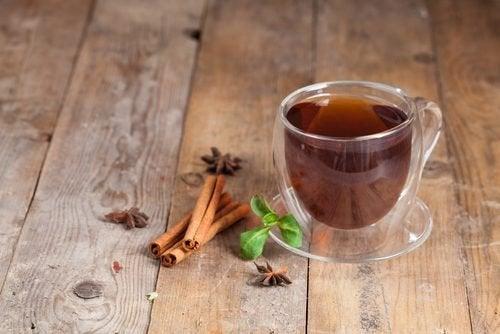 Chá de canela para aliviar a queimação