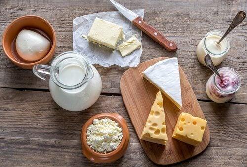 Laticínios podem aumentar a dor de estômago
