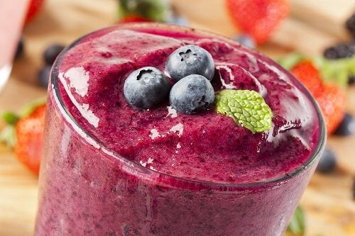 Batida de fruta que contribui para a dieta para perder peso