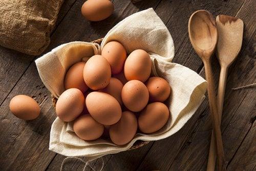 Ovos contêm consumir gorduras saudáveis