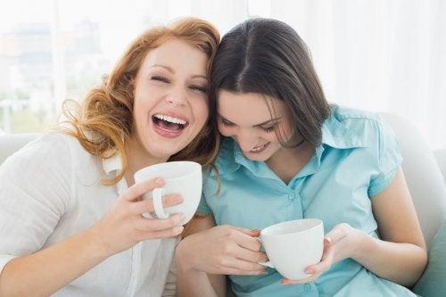 Mãe na menopausa e sua filha