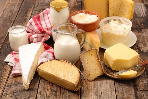 Sal e produtos lácteos contribuem para a queda de cabelo