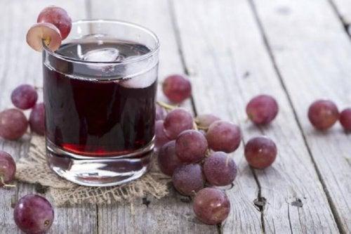 Suco de uva e salsa serve como tratamento da anemia