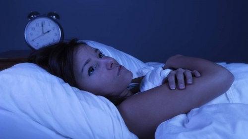 Alterações no sono devido a doenças datiroide