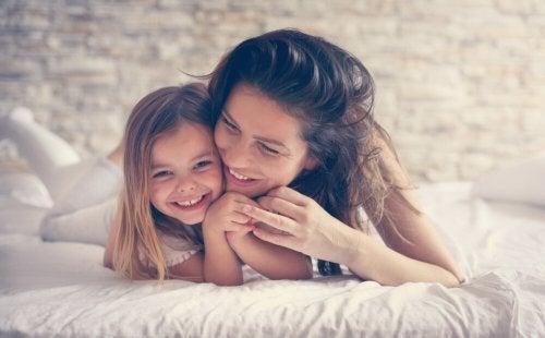 O carinho dos pais influencia o desenvolvimento da personalidade