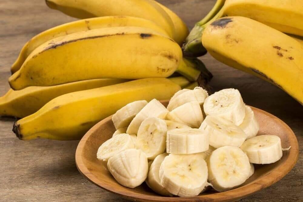 Banana picada em rodelas