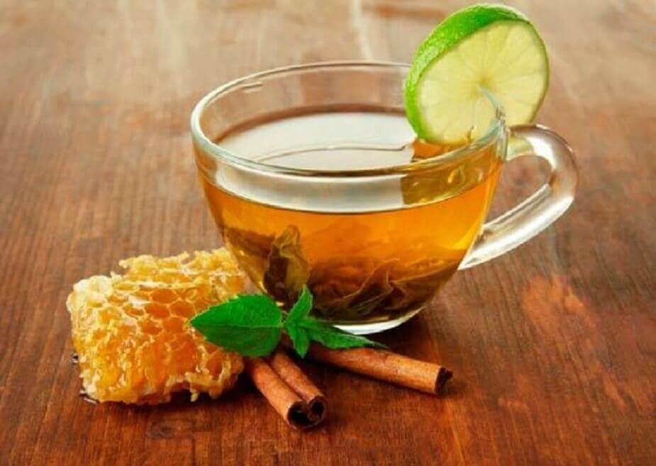 Chá de canela com mel