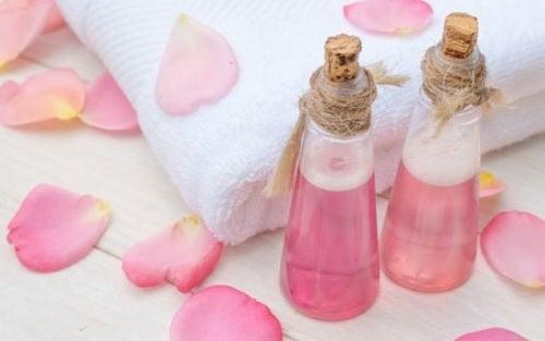 Tônico de rosas para cuidar da pele