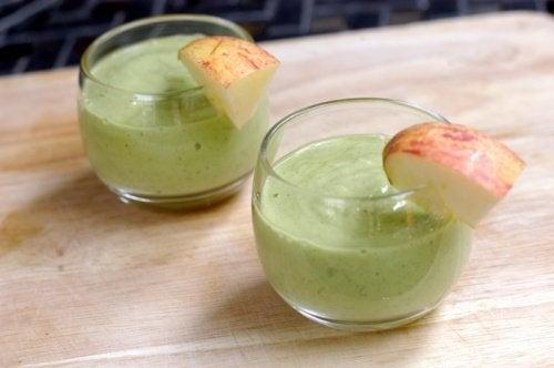 Vitamina de abacate e maçã