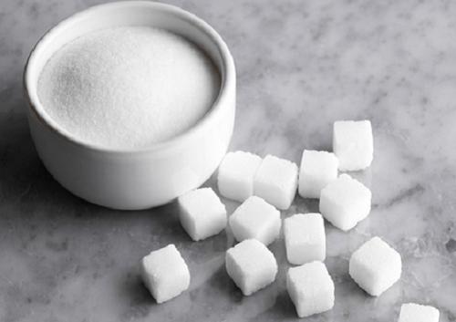 Evite comer açúcar refinada se quiser evitar estar com fome a toda hora