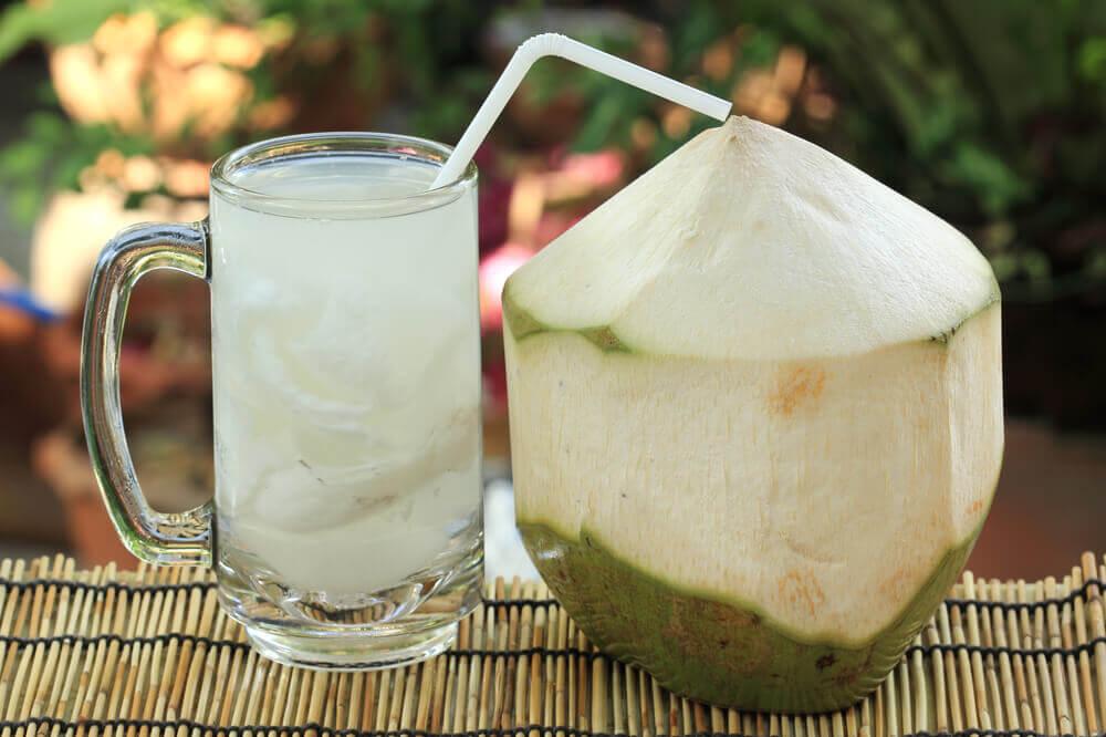 Água de coco para aliviar problemas na bexiga