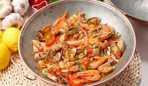 Evite comer mariscos se tiver inflamação