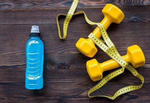 Beber água e fazer exercícios