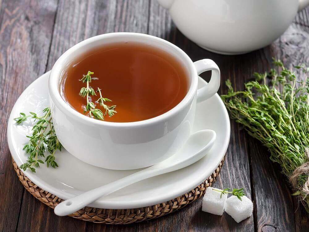 Chá de tomilho contra a afonia
