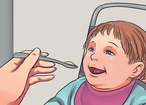 4 alimentos perigosos para o desenvolvimento do bebê