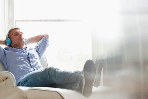 Descansar ajuda a previnir a dor no joelho