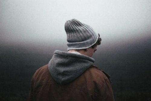 Homem com sintomas de depressão